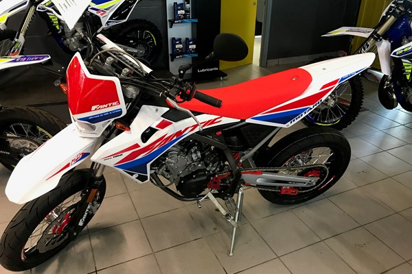 FANTIC 125CC CABALLERO SUPERMOTARD